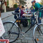 In der Früh das Rad bringen, am Abend mit etwas Glück den Verkauf feiern - Radflohmarkt Obkirchergasse 2018 (CC) Radeln in Döbling