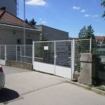 Nur das kleine Türl ganz links ist offen - ein Toflügel sollte noch geöffnet werden für die einfachere Nutzung (CC) Radeln in Wien